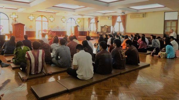บรรยากาศการนมัสการสุดท้ายประจำปีการศึกษา